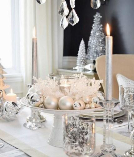 Pretty Winter Table Decoration Ideas For A Romantic Dinner 34