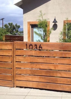 Surpising Fence Design Ideas To Enhance Your Beautiful Yard 07