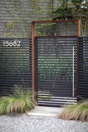 Surpising Fence Design Ideas To Enhance Your Beautiful Yard 12