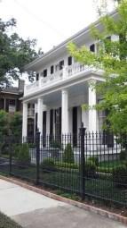 Surpising Fence Design Ideas To Enhance Your Beautiful Yard 29