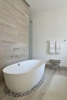 Affordable Bathtub Design Ideas For Classy Bathroom To Try 05