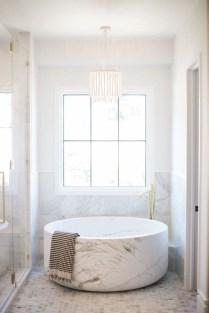 Affordable Bathtub Design Ideas For Classy Bathroom To Try 07