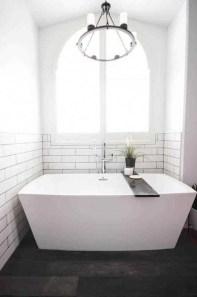 Affordable Bathtub Design Ideas For Classy Bathroom To Try 14