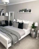 Cozy Small Master Bedroom Decoration Ideas To Copy Soon 10