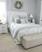 Cozy Small Master Bedroom Decoration Ideas To Copy Soon 23