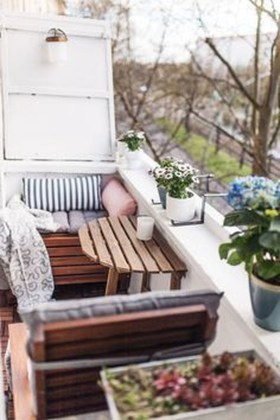 Enchanting Balcony Decoration Ideas For Apartment For A Cleaner Look 18