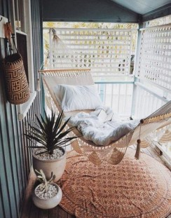 Enchanting Balcony Decoration Ideas For Apartment For A Cleaner Look 21