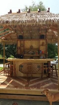 Enjoying Outdoor Bar Design Ideas To Relax Your Family 07