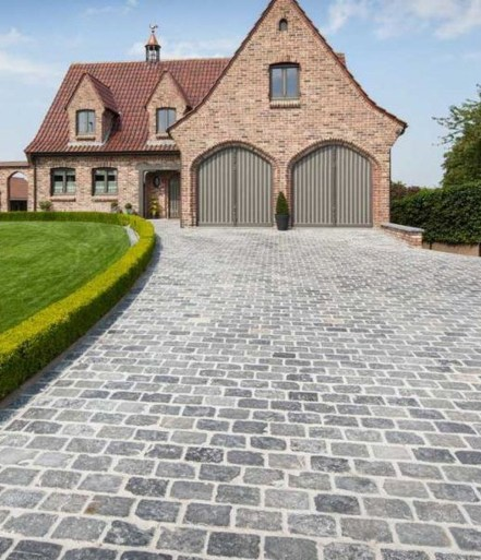 Fabulous Driveway Landscaping Design Ideas For Your Home To Try Asap 33