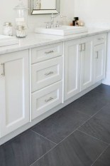 Fantastic Black Floor Tiles Design Ideas For Modern Bathroom 15