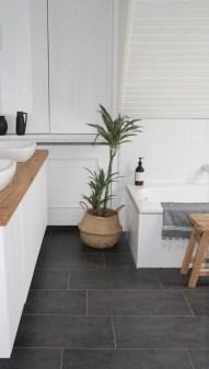 Fantastic Black Floor Tiles Design Ideas For Modern Bathroom 20