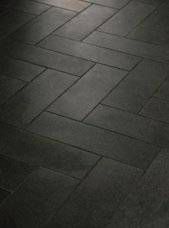 Fantastic Black Floor Tiles Design Ideas For Modern Bathroom 25