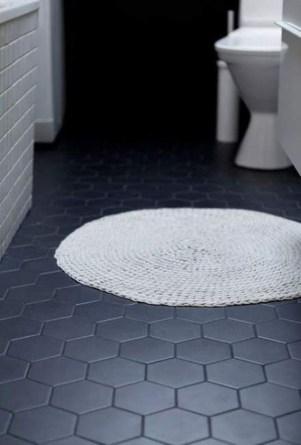 Fantastic Black Floor Tiles Design Ideas For Modern Bathroom 26