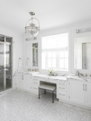 Perfect Master Bathroom Design Ideas For Small Spaces To Have 17