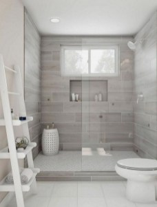 Perfect Master Bathroom Design Ideas For Small Spaces To Have 18
