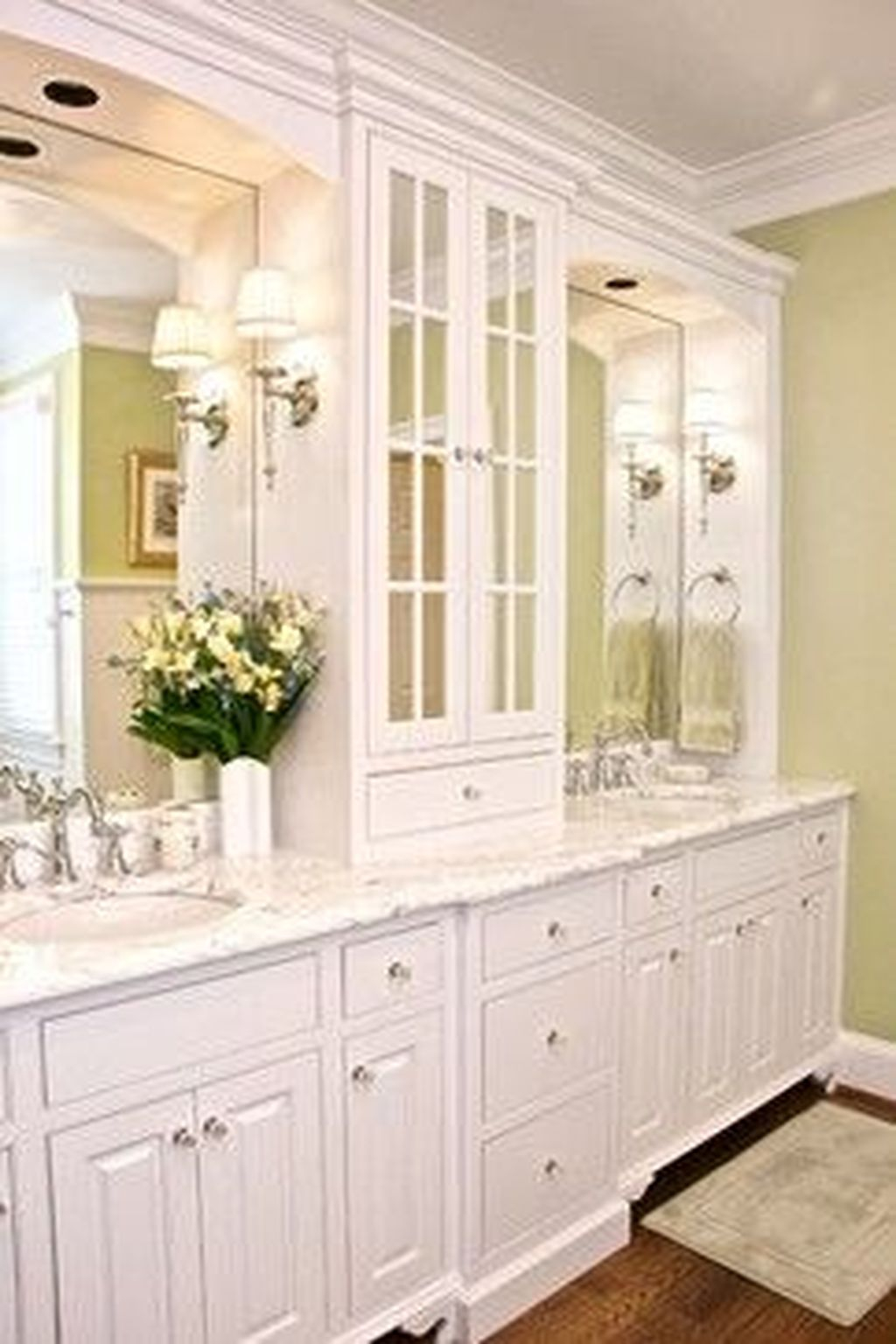 Popular Traditional Small Bathroom Decor Ideas To Try Asap 03