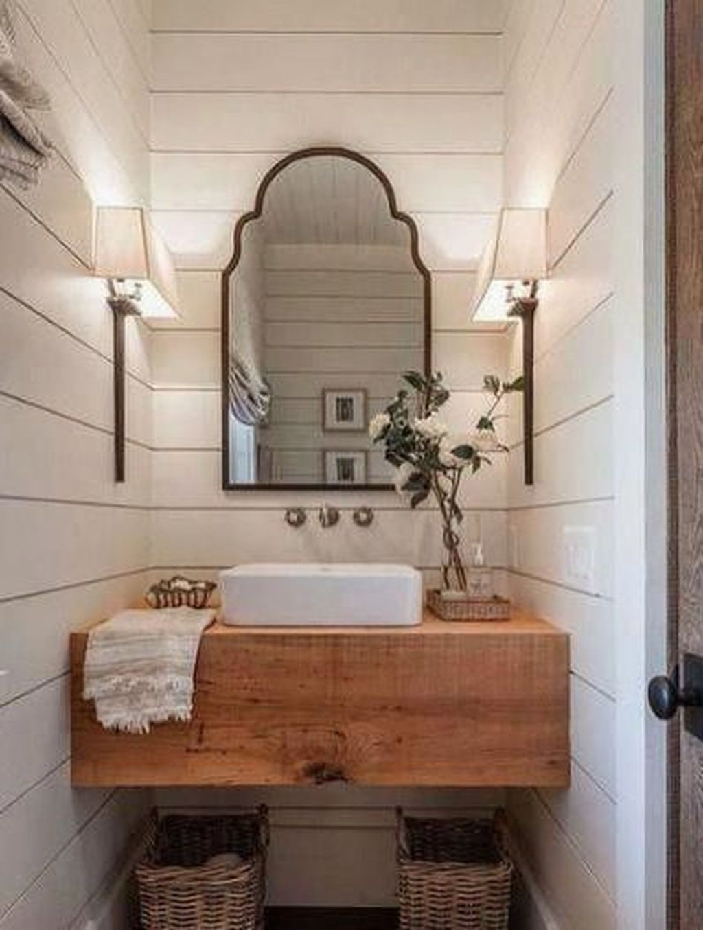 Popular Traditional Small Bathroom Decor Ideas To Try Asap 30
