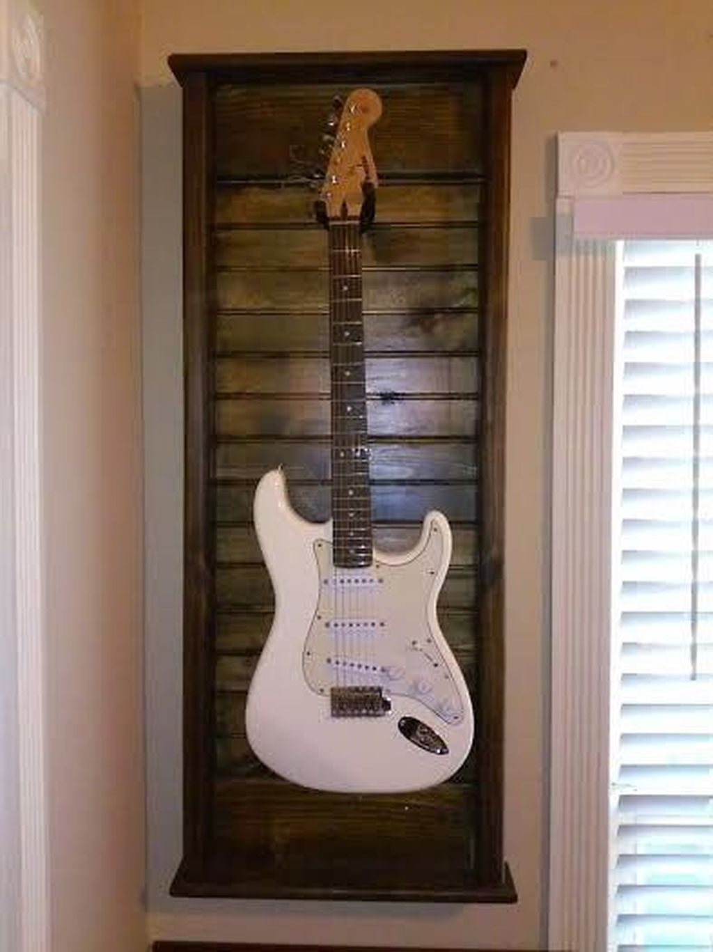 Dreamy Racks Design Ideas From Recycle Old Guitars To Try Asap 16