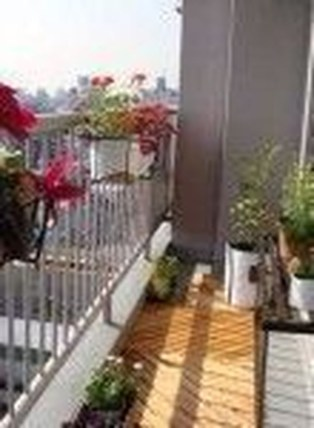 Relaxing Tiny Balcony Decor Ideas To Try This Month 06