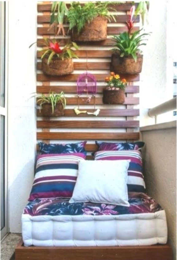 Relaxing Tiny Balcony Decor Ideas To Try This Month 29