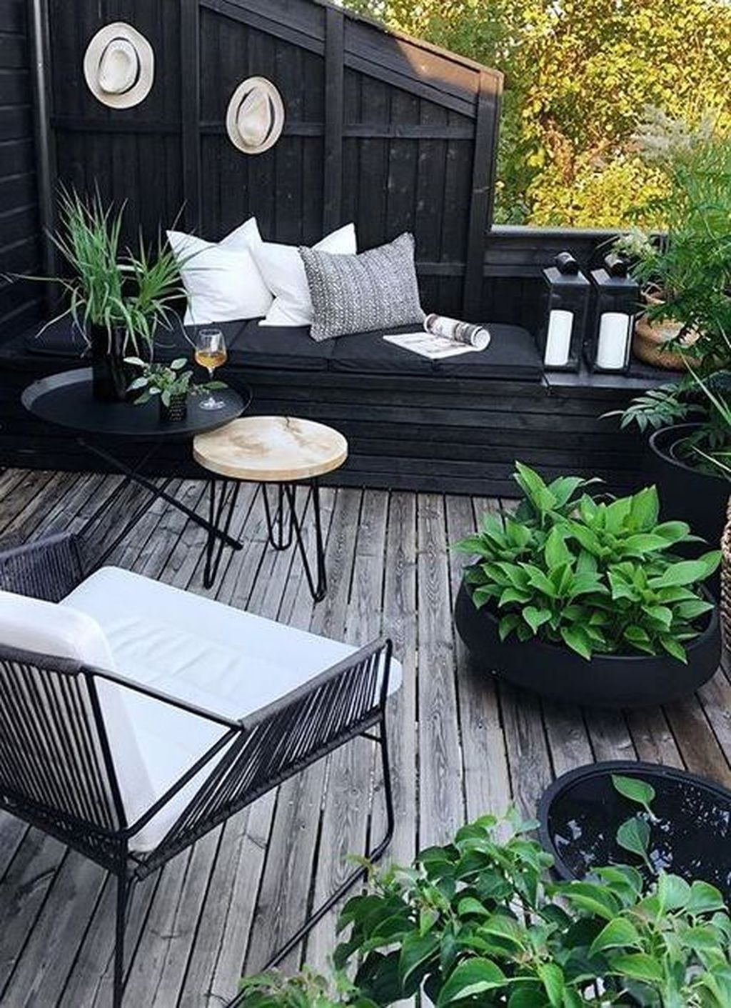 Unordinary Outdoor Living Room Design Ideas To Have Asap 33