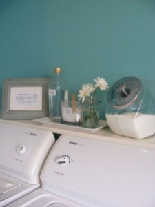 Unusual Laundry Arranging Design Ideas For Small Space To Try 31