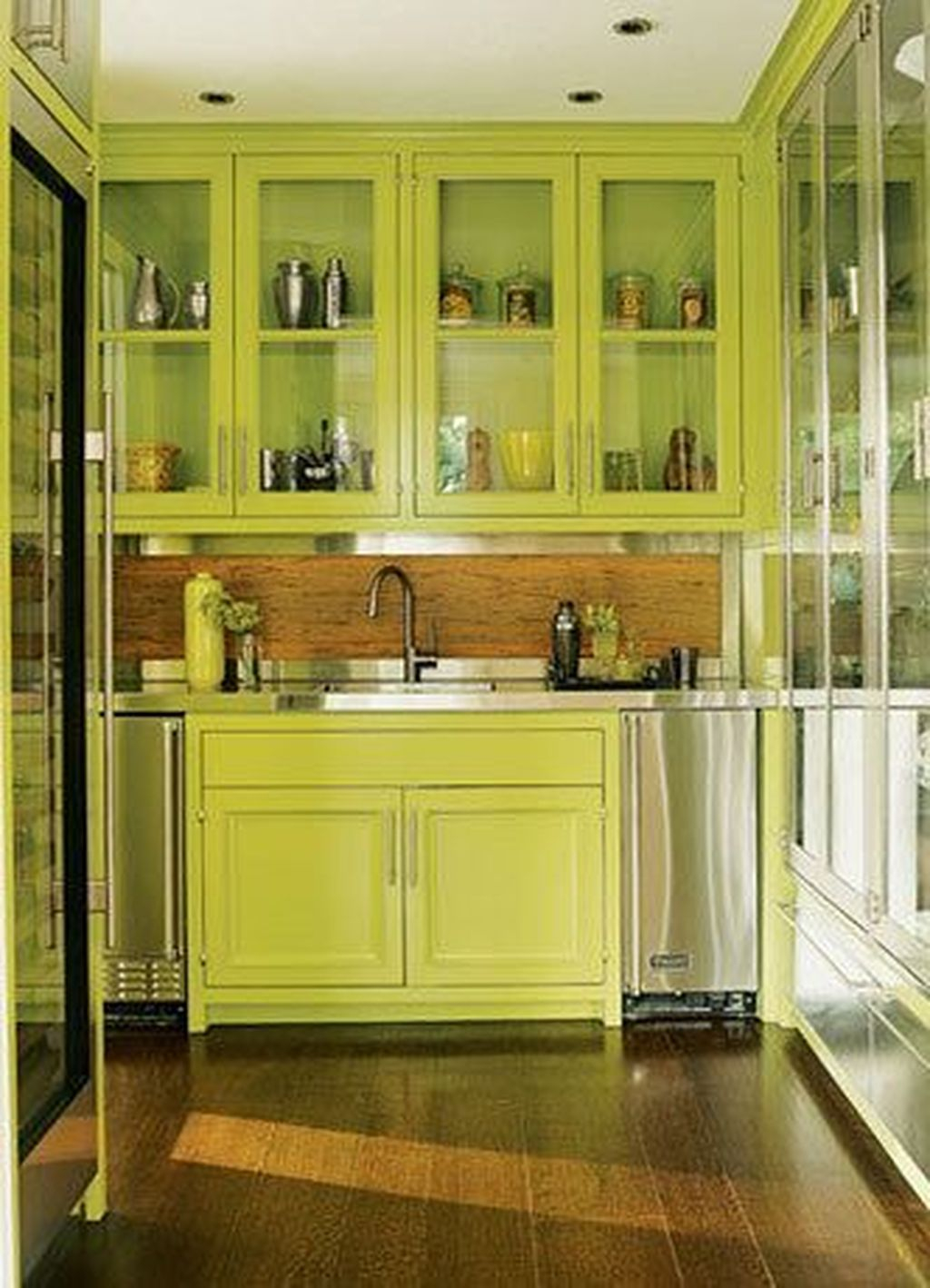 Adorable Rainbow Colorful Kitchens Design Ideas To Looks More Awesome 19