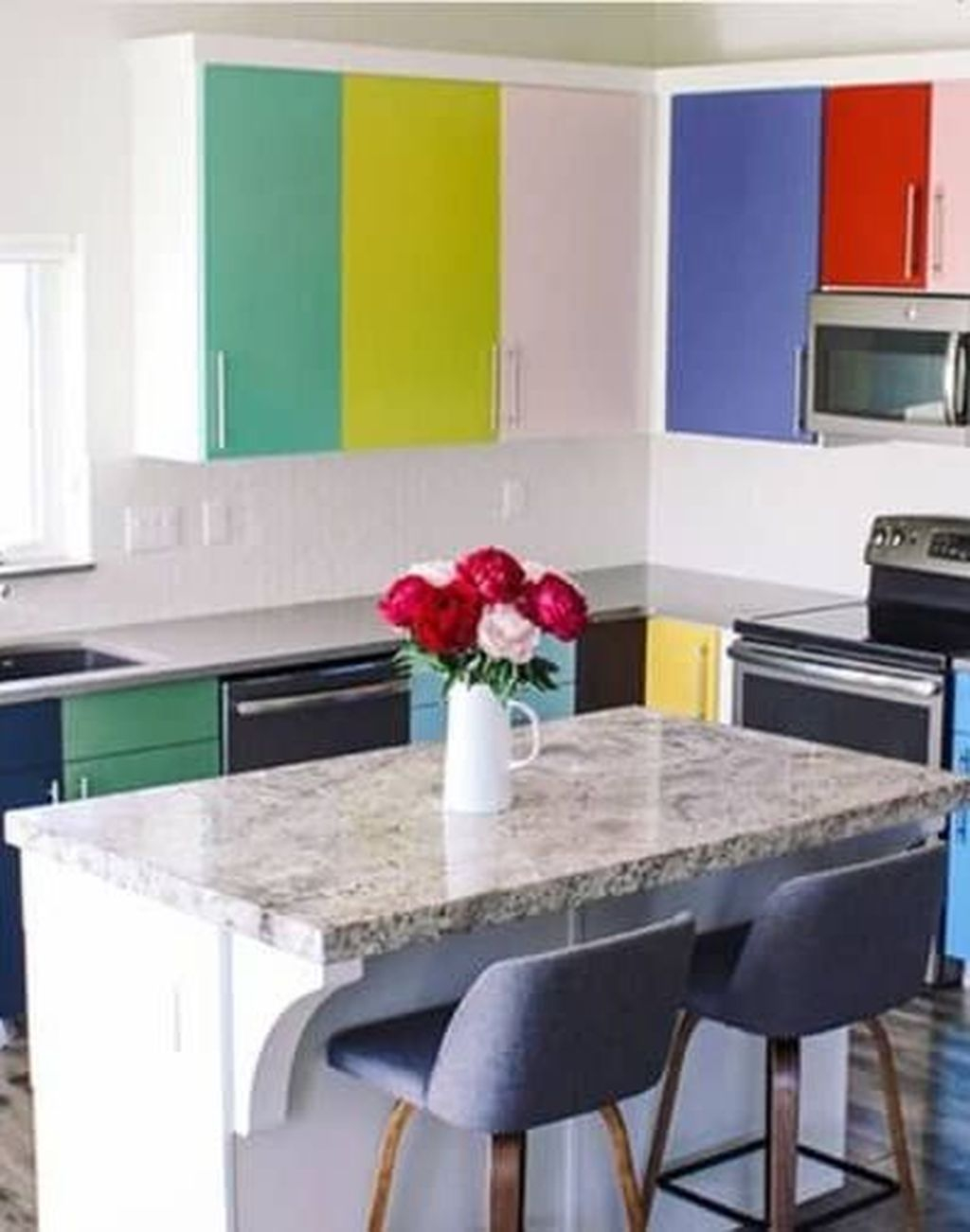 Adorable Rainbow Colorful Kitchens Design Ideas To Looks More Awesome 38