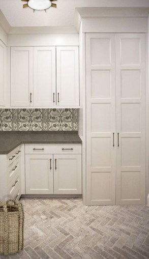 Affordable Laundry Room Design Ideas That You Will Like It 26