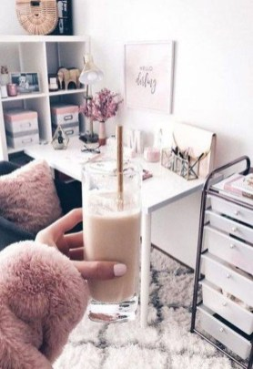 Captivating Girl Workspace Design Ideas That Looks So Cute 06