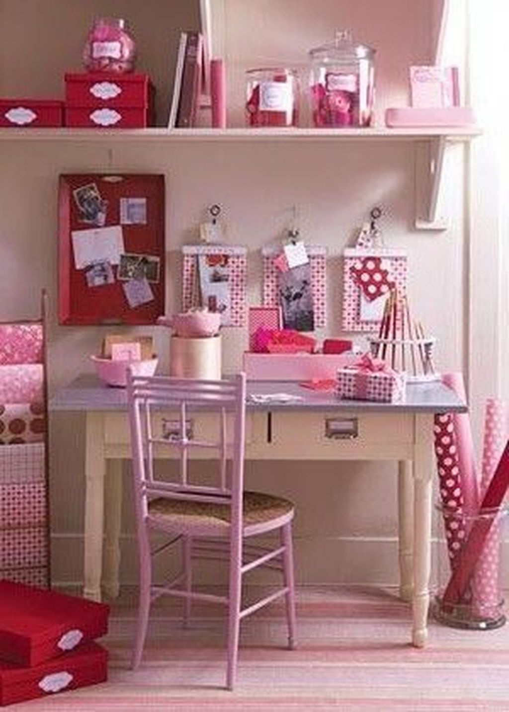 Captivating Girl Workspace Design Ideas That Looks So Cute 11