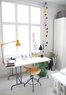 Captivating Girl Workspace Design Ideas That Looks So Cute 13