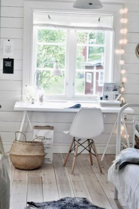 Captivating Girl Workspace Design Ideas That Looks So Cute 34