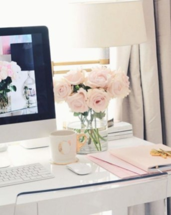Captivating Girl Workspace Design Ideas That Looks So Cute 39