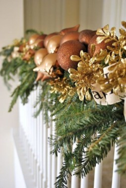 Charming Winter Staircase Design Ideas With Banister Ornaments To Try Asap 24