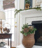 Cute Homes Decor Ideas To Snuggle In This Winter 03