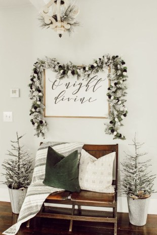 Cute Homes Decor Ideas To Snuggle In This Winter 26