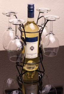 Fascinating Diy Wine Bottle Design Ideas That You Will Like It 43