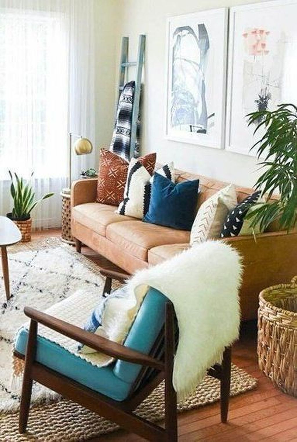 Graceful Living Room Design Ideas That You Need To Try 41
