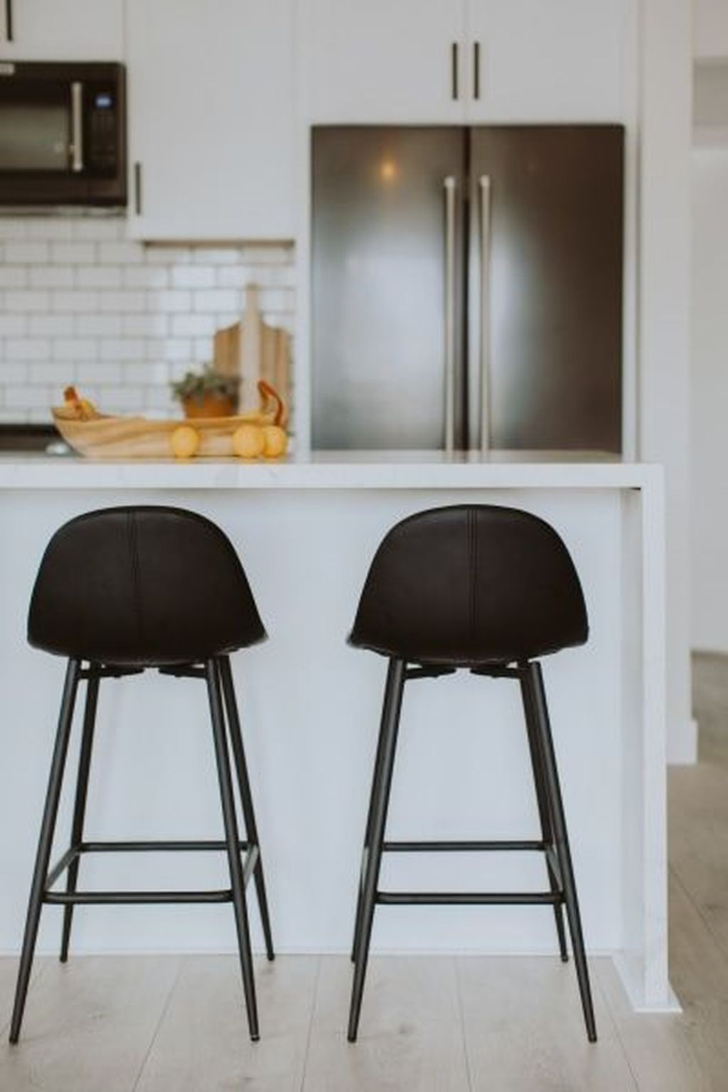 Modern Black Kitchens Design Ideas For Bachelors Pad To Try Asap 09