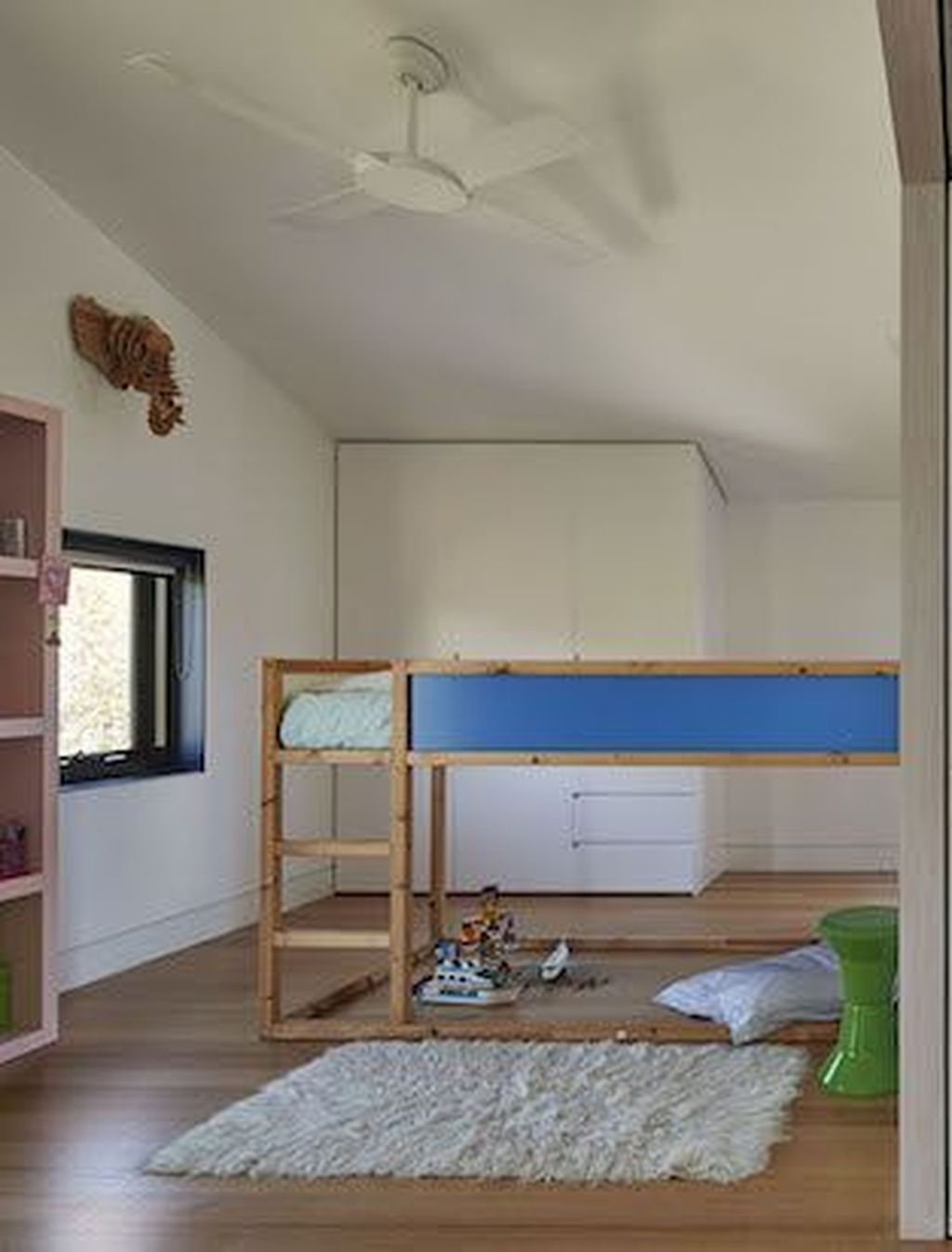 Perfect Kids Room Design Ideas That Suitable For Two Generations 16