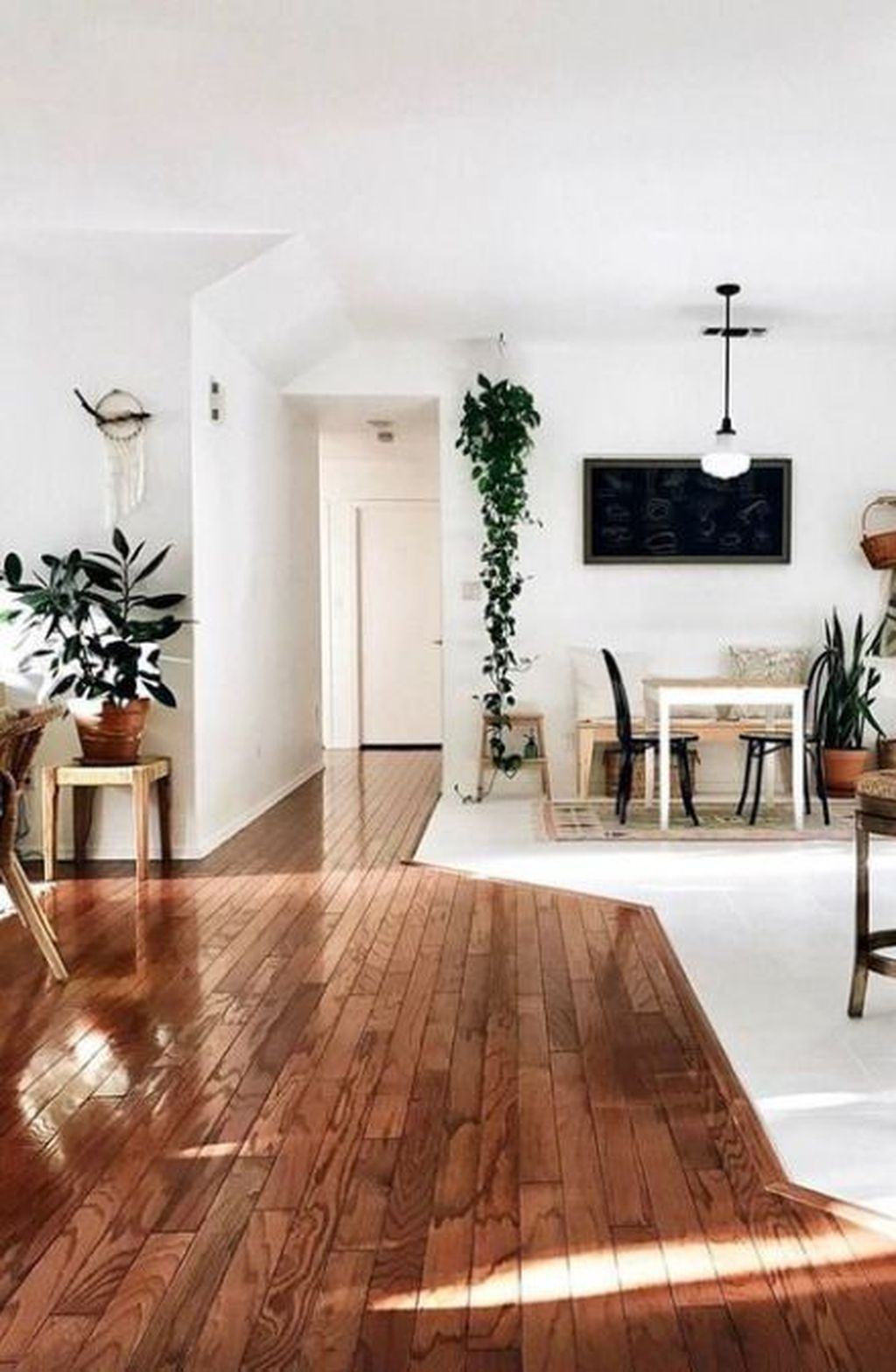 Attractive Living Room Design Ideas With Wood Floor To Try Asap 25