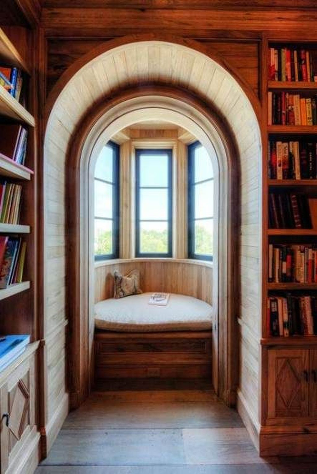 Enchanting Reading Nooks Design Ideas That You Need To Try 19