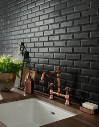 Extraordinary Black Backsplash Kitchen Design Ideas That You Should Try 08