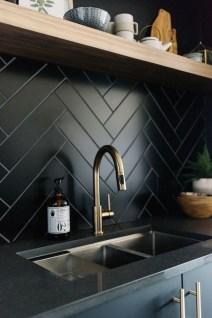 Extraordinary Black Backsplash Kitchen Design Ideas That You Should Try 20
