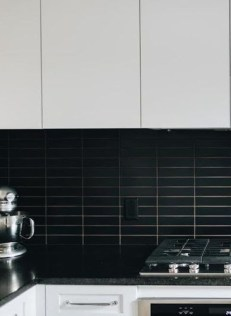 Extraordinary Black Backsplash Kitchen Design Ideas That You Should Try 22