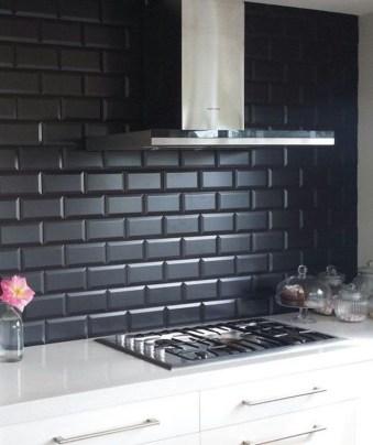 Extraordinary Black Backsplash Kitchen Design Ideas That You Should Try 26