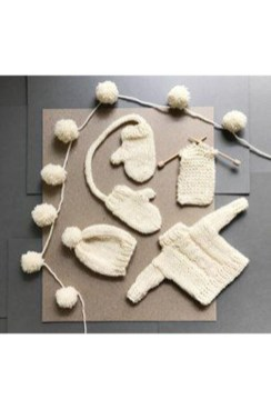 Favorite Knitted Winter Decorations Ideas To Try Right Now 24