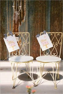 Magnificient Outdoor Wedding Chairs Ideas That Suitable For Couple 07