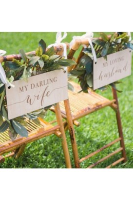 Magnificient Outdoor Wedding Chairs Ideas That Suitable For Couple 16